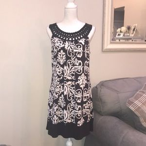 Dresses - Sleeveless Dress